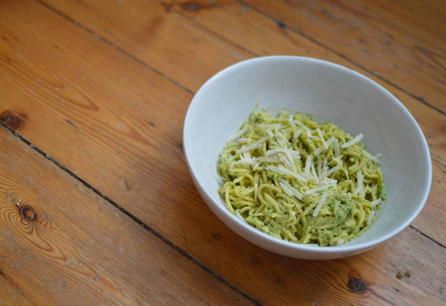 Guaca-pesto pasta
