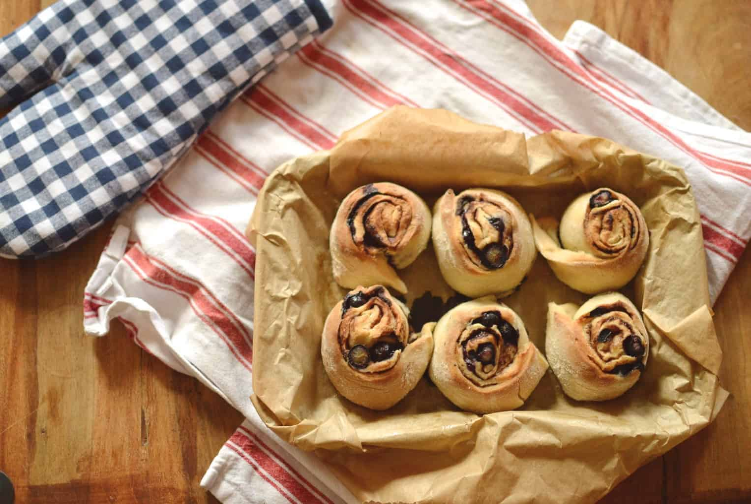chocolate and blueberry breakfast buns
