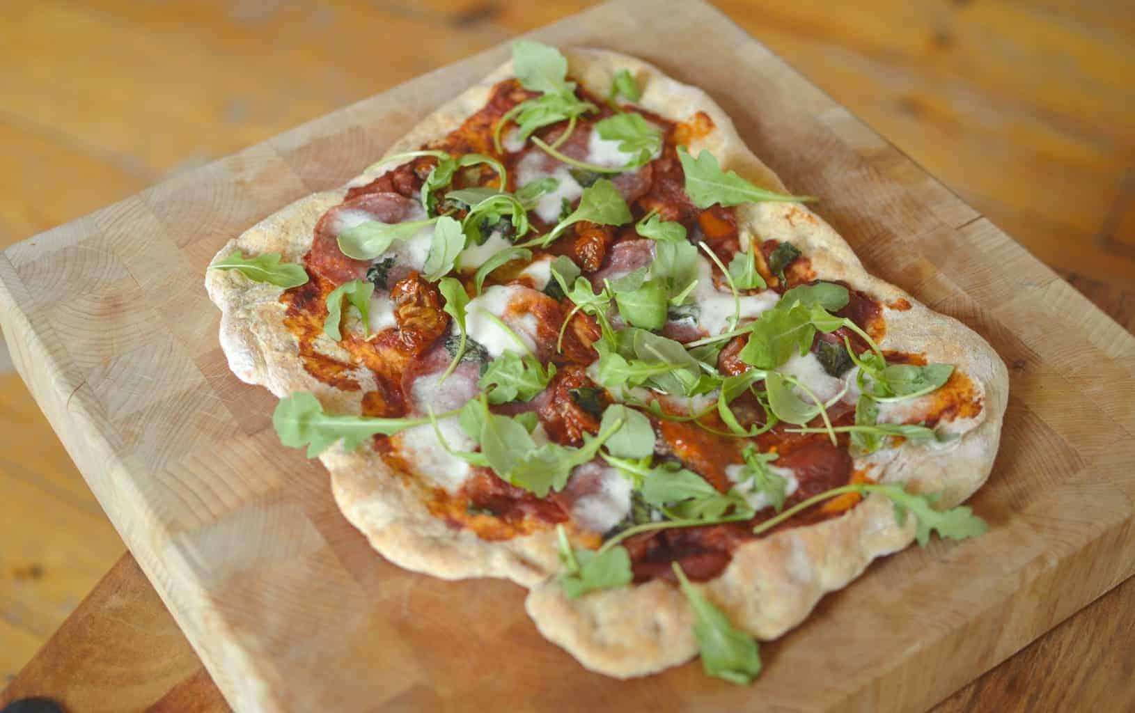 Pizza - Rocket & Salami Pizza
