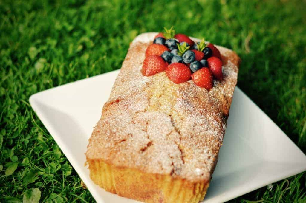 Pimm's drizzle cake