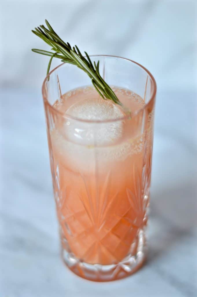 gin grapefruit and rosemary cocktail